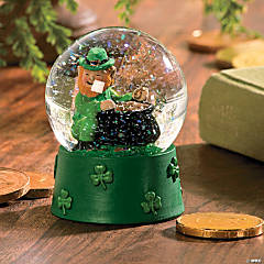 St. Patrick's Day Water Globe