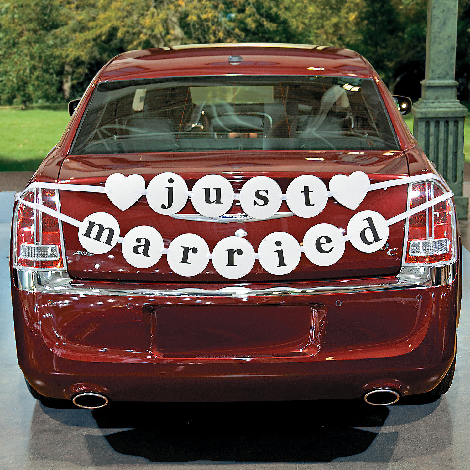 Just married car pennant banner oriental trading for Auto decoration shops in rawalpindi