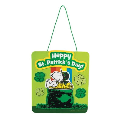 Peanuts� St. Patrick?s Day Rainbow Sign Craft Kit