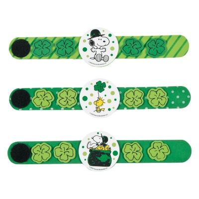 Peanuts� St. Patrick?s Day Bracelet Craft Kit