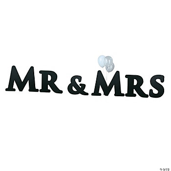 """Mr & Mrs"" Yard Sign"
