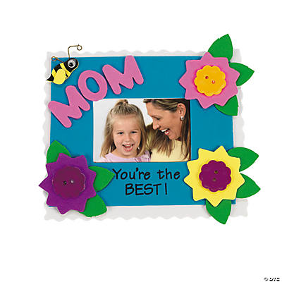 """Mom"" Picture Frame Magnet Craft Kit"