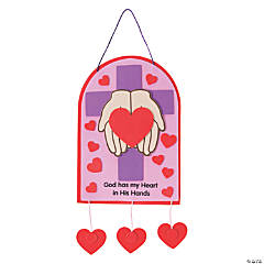 """God Has My Heart In His Hands"" Sign Craft Kit"