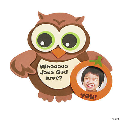 """Whooo Does God Love?"" Owl Picture Frame Magnet Craft Kit"