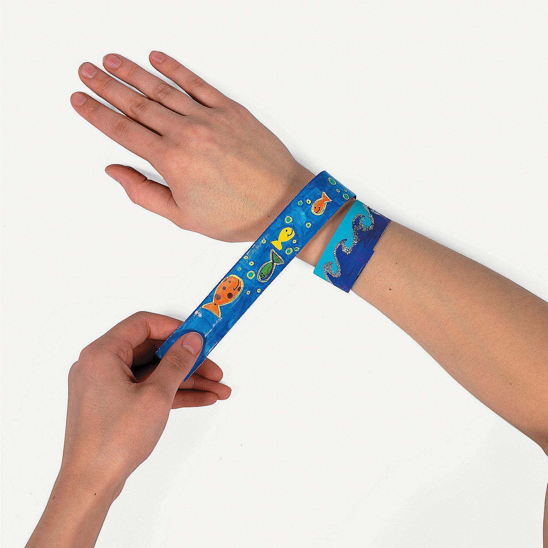bracelet on wrist - photo #37