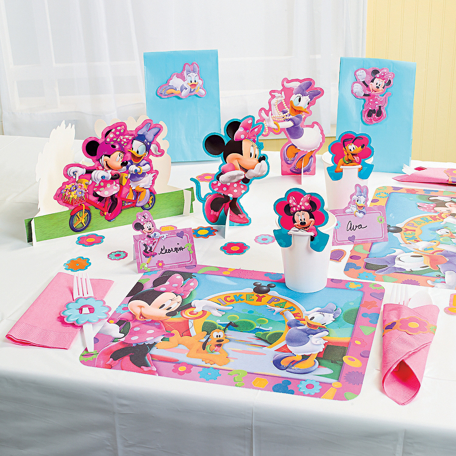minnie mouses bow tique punch out table decorations a2 70 9357