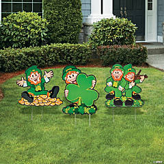 Cheerful Leprechaun Yard Stakes