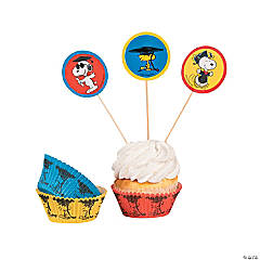 Peanuts® Grad Baking Cups with Picks