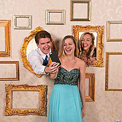 Picture Frame Selfie Station Photo Booth Idea
