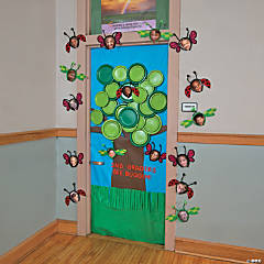 Spring Tree Door Decoration Idea