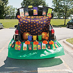 Trunk-or-Treat Christian Pumpkin Décor Idea