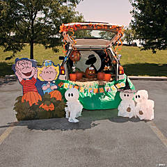 Trunk-or-Treat Peanuts® The Great Pumpkin Décor Idea