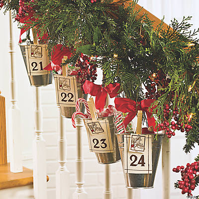 Advent Calendar Bucket Garland Idea