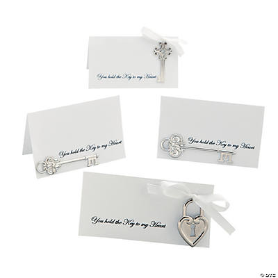 "DIY ""You Hold the Key to My Heart"" Place Cards Idea"