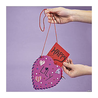 Valentine Holder Heart Shaped Pouch Idea