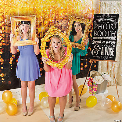 Vintage Frame Wedding Photo Booth Idea
