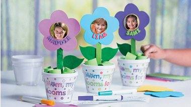Mother's Day Crafts - So many ways to make Mom smile!