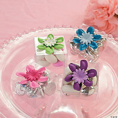 Clear Box Favor with Flower Idea
