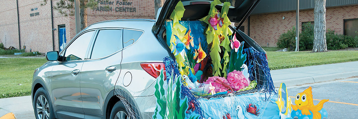 Trunk or Treat Under the Sea Decorating Idea