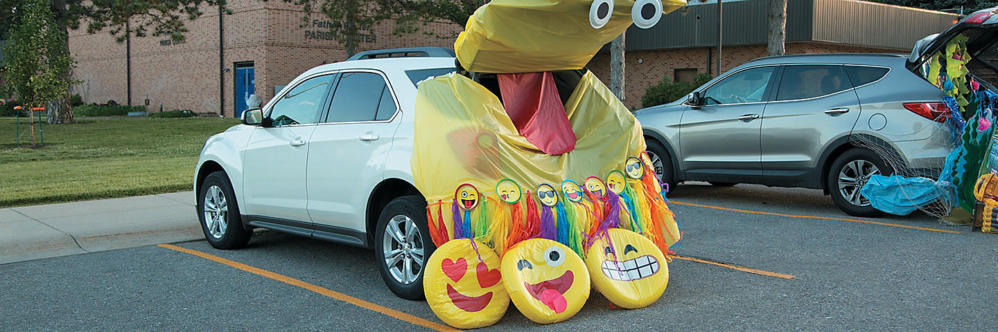 Trunk or Treat Emoji Decorating Idea