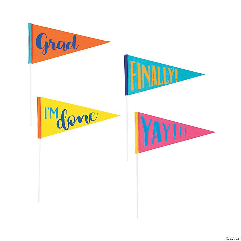 KATOOM 2020 Graduation Banner Graduate Celebration Bunting Garland Grad Pennant Flags with 15 Pcs Latex Balloons for Graduation Party Decor Photo Props Graduation banner