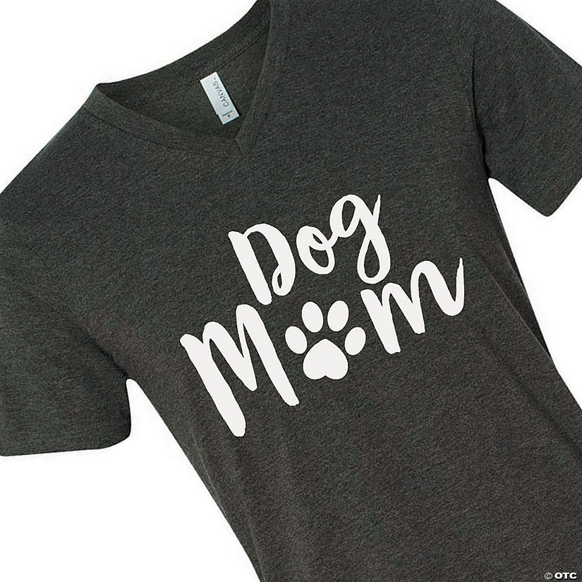 Dog Mom Adult's T-Shirt Audio Thumbnail