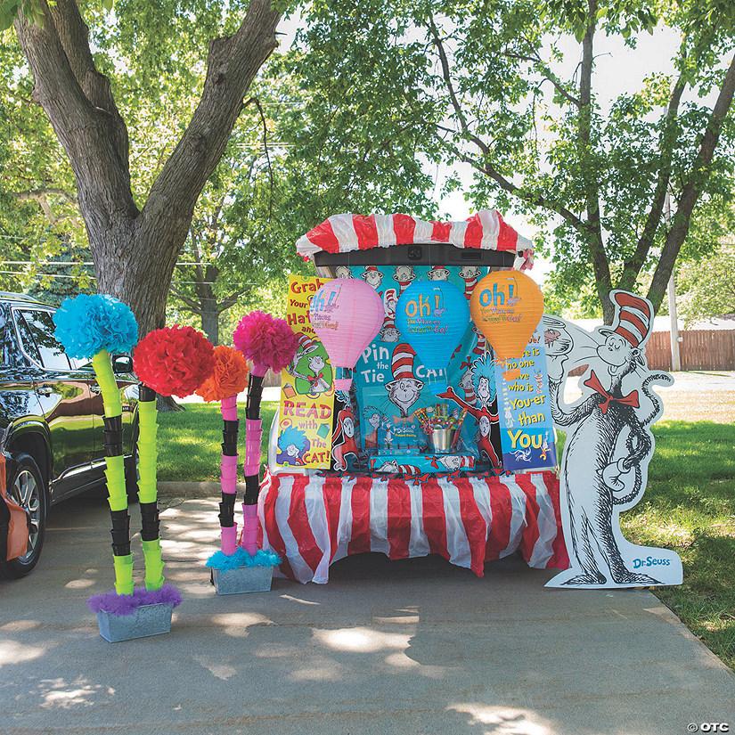 Dr. Seuss™ Trunk-or-Treat Decorating Kit