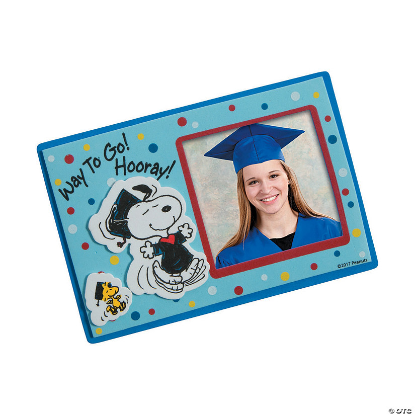 Peanuts® Graduation Picture Frame Magnet Craft Kit