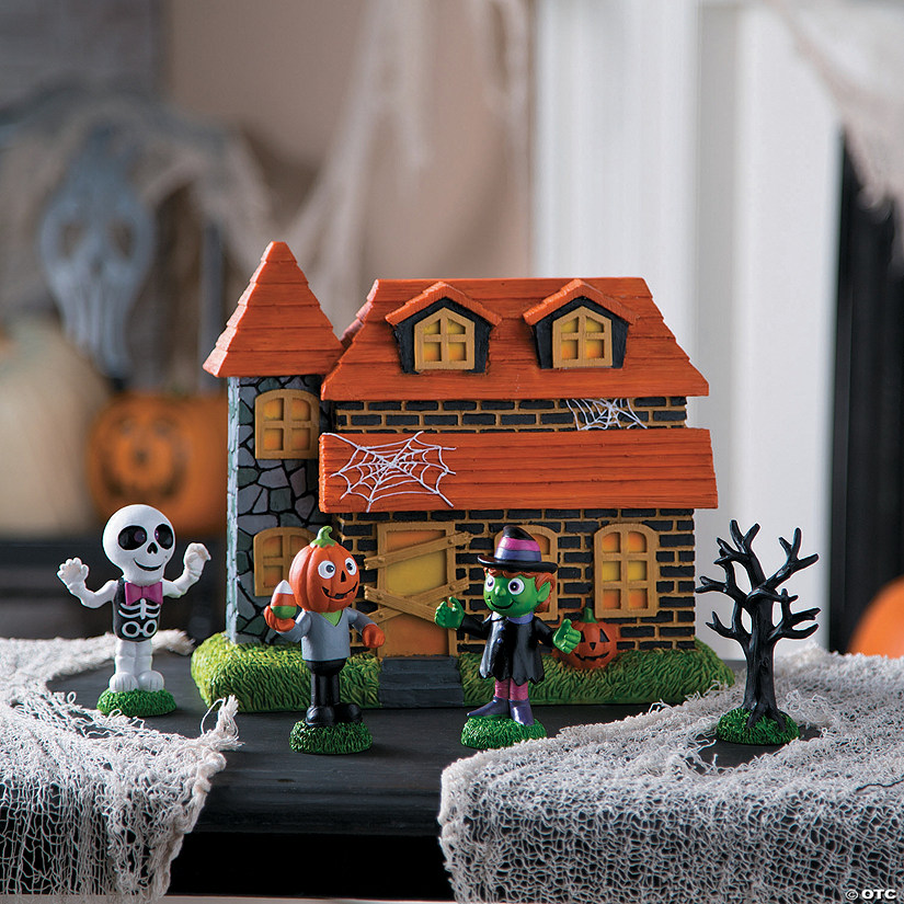 Tabletop Haunted House Scene Halloween Décor