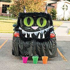 Black Cat Trunk-or-Treat Décor Idea