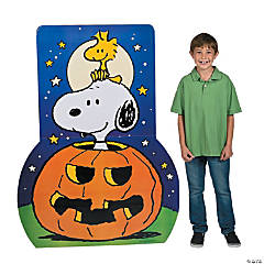peanuts halloween stand up