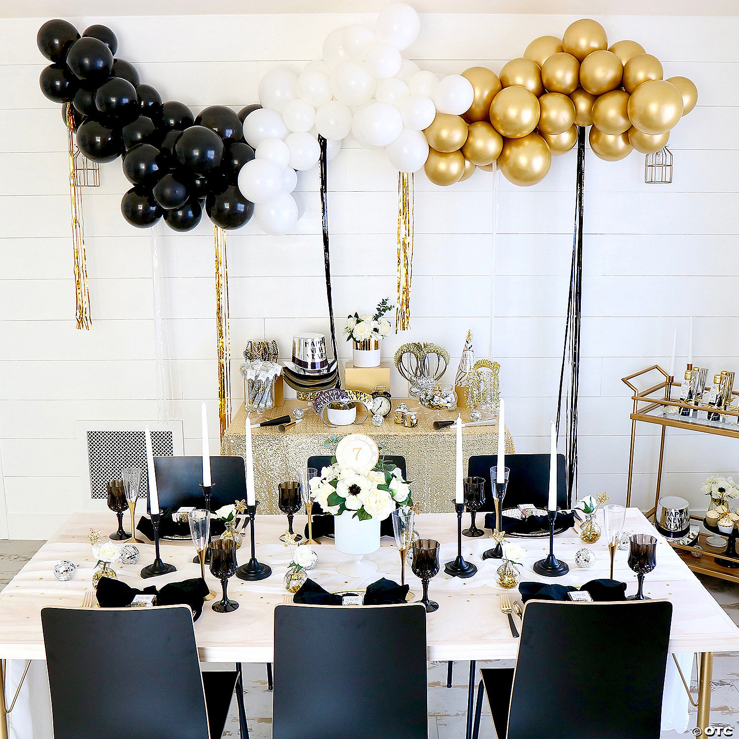 25 Ft Black White Gold Balloon Garland Kit With Air Pump