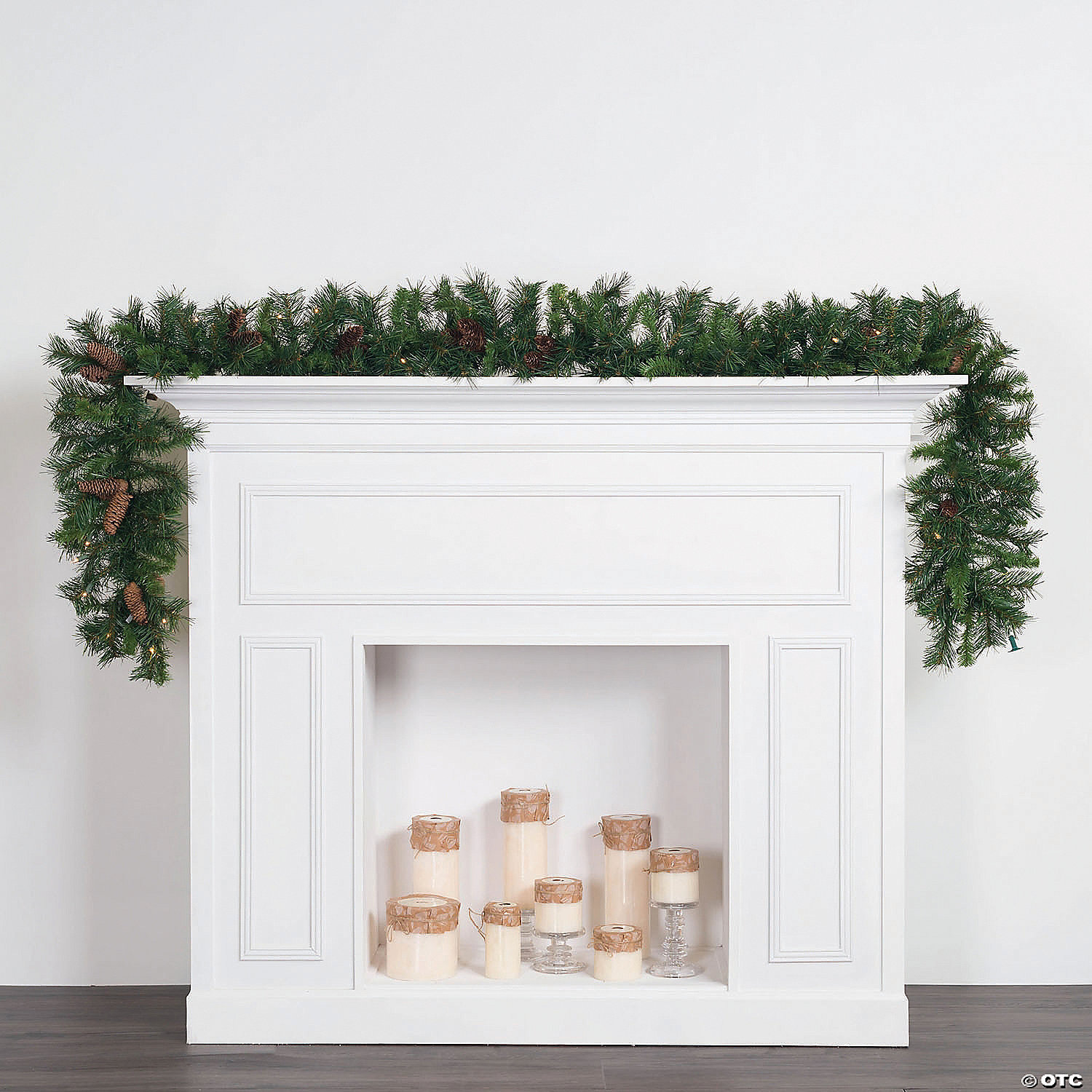 Cheyenne Christmas House 2020 Vickerman 9' Cheyenne Christmas Garland with Warm White Lights