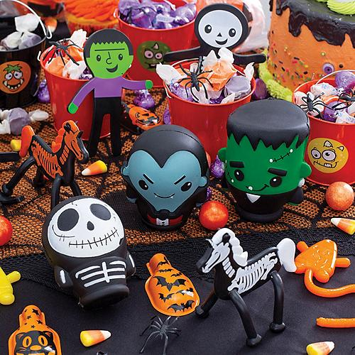 Halloween Of Halloween.The Halloween Store 5 000 Decorations Handouts Candy